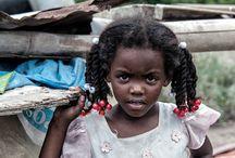 CRIANÇAS  DO MUNDO / FOTOS DE CRIANÇAS DO MUNDO,.... NOTA-SE PELAS FOTOS  E DESCRIÇOES, .....  SUAS  REALIDADES......Álgumas Tristes  outras  Não.....   / by rita riboldi