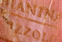 Azienda / L'impegno nella selezione e commercio della carne ha inizio nel lontano 1895 e nel 1960, con la produzione di preparati di carne pronti da cuocere si è raggiunto un successo sempre maggiore anno dopo anno.