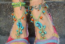 Barefoot jewelry / Wrap it around your ankel. Fantastiska kreationer att ha runt ankeln.