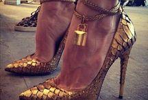 Zapatos  / by More Moreno