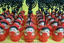Lembrancinhas para chá de bebê / Lembrancinhas para chá de bebê, confeccionada em Biscuit (porcelana fria), todos feito à mão,100% artesanais, feitos com muito carinho. http://www.elo7.com.br/ateliedoriartes/loja