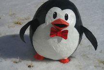 Papier mache pinguïn