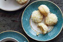 Favorite Recipes - Cookies & Bars / by Joanne Schols