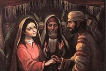 Los desposorios de San José y la Virgen María / En aquella época, el compromiso matrimonial  se regía escrupulosamente por curiosas costumbres y complicadas normas. Los padres de la novia se ponían de acuerdo con la casamentera del pueblo para que se dirigiera al novio - a través de un rabino- y así poder prometerle a su hija. Este compromiso solía tener lugar un año antes del casamiento. Los desposorios se refrendaban ante un escribano,  el cual extendía ante dos testigos el contrato de matrimonio,