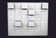 CHESTS OF DRAWERS /CASSETTIERE