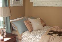 Bedroom ideas / by Leann Hardie