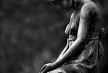 Αγάλματα - Statues