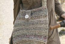 Mochila crochet pixels