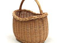 Wicker/Baskets/Trunks