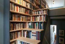 Könyvespolcok