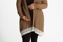 Plus size maternity outfits