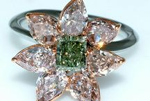 Rings - flower-like stone setting