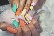 Ali Style Nails- #ManiMondays / Fabulous manicures to match any occasion!