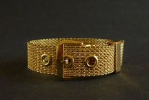 Vintage Holiday Gifts / Vintage Jewelry & Collectibles
