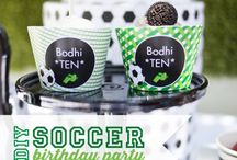 Soccer Party   Ideas, Decorations and Inspiration / Soccer Party ideas, including party decorations, soccer party themed sweets and treats, printables and party activities.