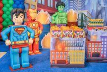 Cenário - LEGO / Para quem já ama esses super-heróis, irão amá-los ainda mais  na versão LEGO!