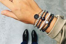Jewelry styling | Sieraden styling / Hoe combineer je sieraden? We bieden inspiratie op dit bord!