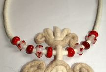 Felt and lampwork / felted and handmade lampwork glass beads and necklace