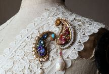 Jewellery - Brooches
