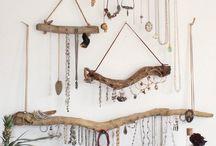 vešiaky na šperky