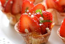 Potluck Pleaser / Desserts or recipes that are great for potlucks. Another alternative to clichés of casseroles