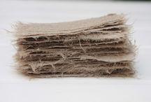 la solitudine delle materie prime / foto istallazioni peper texile fiber pigmen