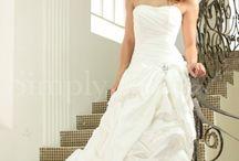 Wedding dresses / by Chloé Trumble