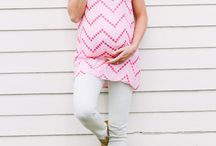 Modern Maternity style - not a tent dress momsy flower print!!