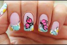 manicure de mariposas