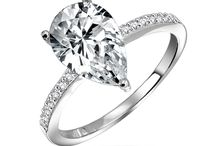 Pear Shaped White diamond Engagement Rings