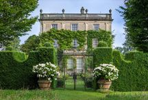 Tour of Highgrove Royal Gardens with Alan Titchmarsh / Photos shared from our subscriber event at Highgrove Royal Gardens. Take a look at some of our guests' feedback here: http://www.gardenersworld.com/gardeners-world-events/