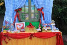 Wizard of Oz Party / Great party ideas to help you throw a fun, colorful, and sweet Wizard of Oz party. Featuring decorations, party ideas, dessert tables, party favors , free printables, and more.