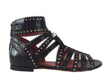 Santoni Femme PE 17 / Découvrez la nouvelle collection pour femme de la marque de souliers italienne de luxe Santoni