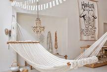 Hamacuri in interior / hammocks in the interior / Cine a spus ca un hamac este potrivit doar pentru gradina? Uite cat de frumos arata si in interior..... sursa de inspiratie
