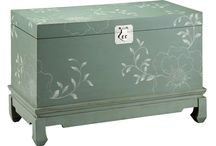 Occasional Pieces / Tables and Accent Pieces Add Versatility to Your Room