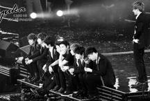 Super Junior / Super Junior 슈퍼주니어 syu-peo ju-ni-eo... need I say more? ^ ^ ❤ ❤ ❤