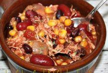 Low Calorie Crock Pot Recipes / by Sydney Sopher