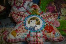 """""""Chez Marie Fil"""" : J'Adore !!! / """"Chez Marie Fil"""", un blog coloré, joyeux qui met à l'honneur la broderie, le cartonnage, les arts du fil ! Belle promenade à vous !  http://chezmariefil.canalblog.com/"""