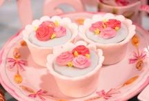 Tortas decoradas y cupcakes / by Rosanna Noriega Biggio