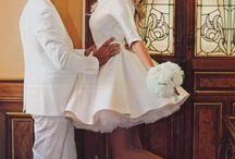 Γάμοι Διασήμων / Πλούσιοι ή οικονομικοί, κρυφοί ή φανεροί, οι γάμοι διασημοτήτων πάντοτε έλκουν την προσοχή μας. Άλλωστε είναι μια καλή πηγή ιδεών και για τον δικό σου γάμο