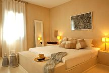 Verina Suites, Sifnos / Verina Suites have been -obviously- blessed by the gods with the virtue of hospitality. Upon your arrival, feel the warmth and cordiality. This is accomplished at Verina Suites in a miraculously effortless way...