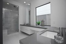 Salle de bain d'angle