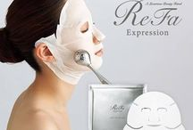 ReFa Expression High Tension Mask / A unique double-hook mask fits contours of your face and the neck tightly with the three-layer structure well filled with moisturizer. This mask stays on even if you use a beauty roller over it and provides comfortable facial care.