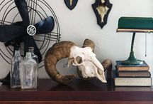 Wall art, Vignettes & Dramatic Displays / Fabulous interior design ideas for walls, shelves & tabletops. Quirky, interesting and beautiful collections of object & art.
