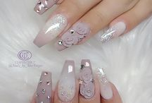 glamourous nails