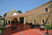 Le Mas de So / Présentation du Mas de So, Villa idyllique aux Porte de la Provence pour des séjours ou des événements haut de gamme type mariage ou séminaires. Luxe, calme et volupté au programme.