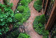 lépcsőházas kert