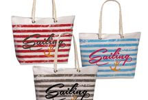 Shopper und Strandtaschen / Unsere Strandtaschen machen Lust auf Badeurlaub ! Und wenn das Wetter nicht zum Baden taugt, kannst du die großen Taschen einfach als Shopper zum Einkaufen verwenden oder als Reisegepäck nutzen.