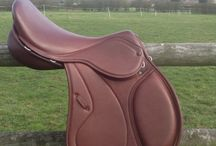 Custom saddles. / The tree is fitted to your horse for an exceptional fit. The panels designed for your horse for perfect balance and comfort. The top designed for you!  Saddles from £1,195