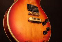 Custom Atlas Stands Guitar Stands / Custom Atlas Guitar Stands